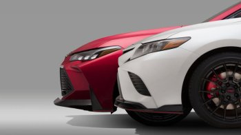 New Hybrid: Toyota Camry Launched at 37lakhs