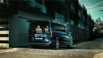 Mercedes V-Class Launched at 68 Lakhs(ex-showroom)