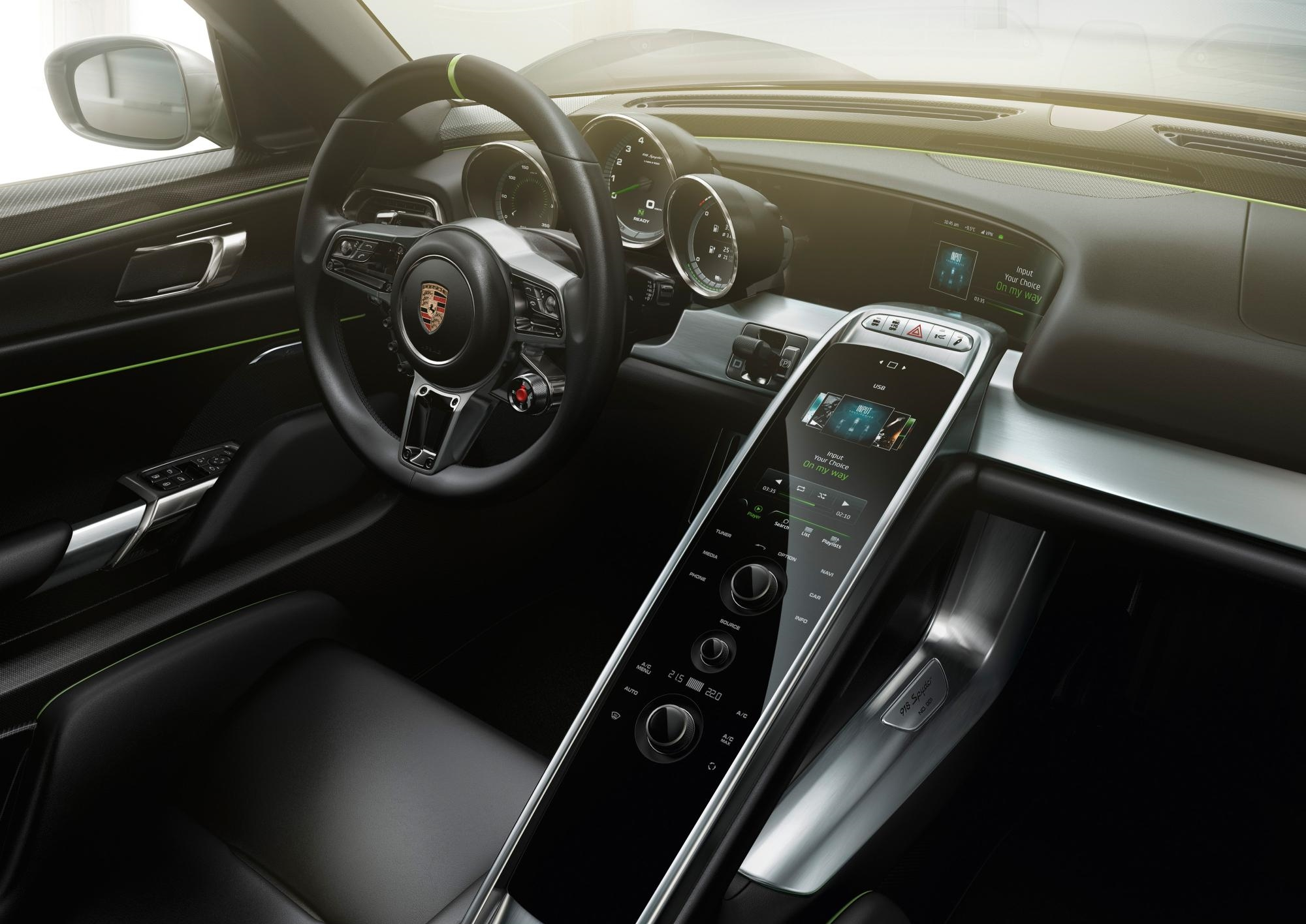 Porsche 918 Spyder Interior, Porsche 918 Spyder Stearing